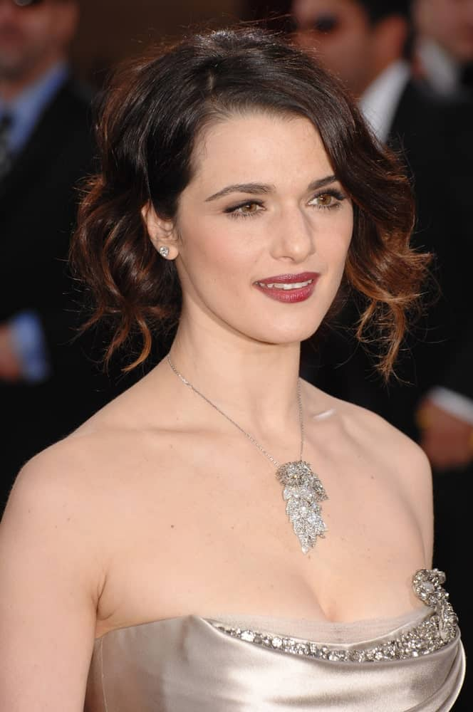 Rachel Weisz shines in a finger wave updo during the 79th Annual Academy Awards held on February 26, 2007.