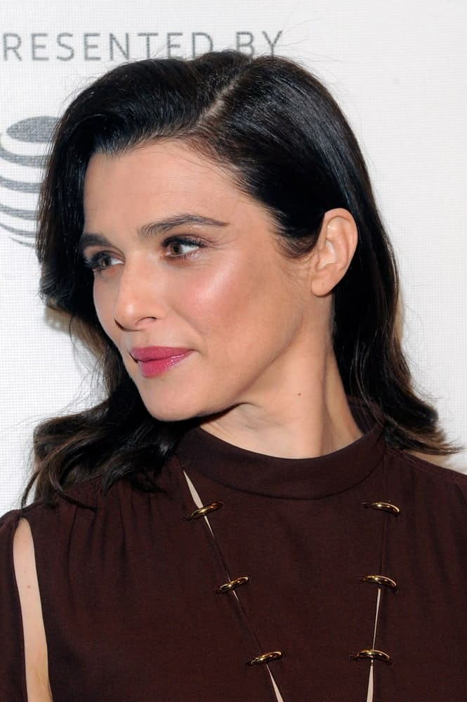 Rachel Weisz arrives for the 'Disobedience' premiere during the 2018 Tribeca Film Festival on April 24, 2018. She styled her shoulder-length hair with subtle waves and a deep side parting.