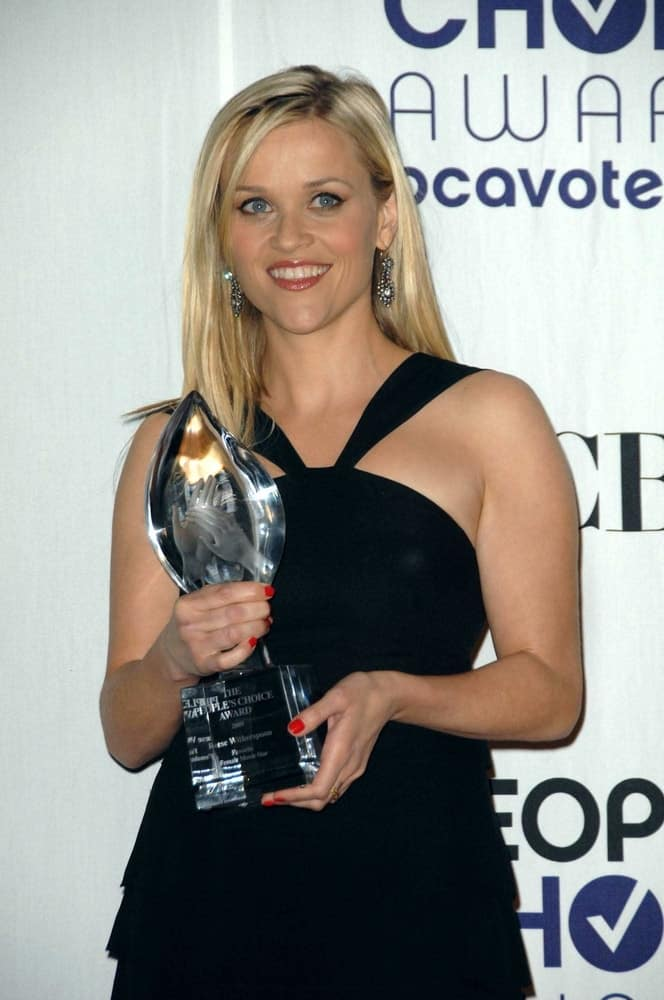 Reese Witherspoon was quite charming in her black dress that complemented her loose and layered straight blond hair at the 35th Annual People's Choice Awards, Shrine Auditorium in Los Angeles, CA on January 07, 2009.