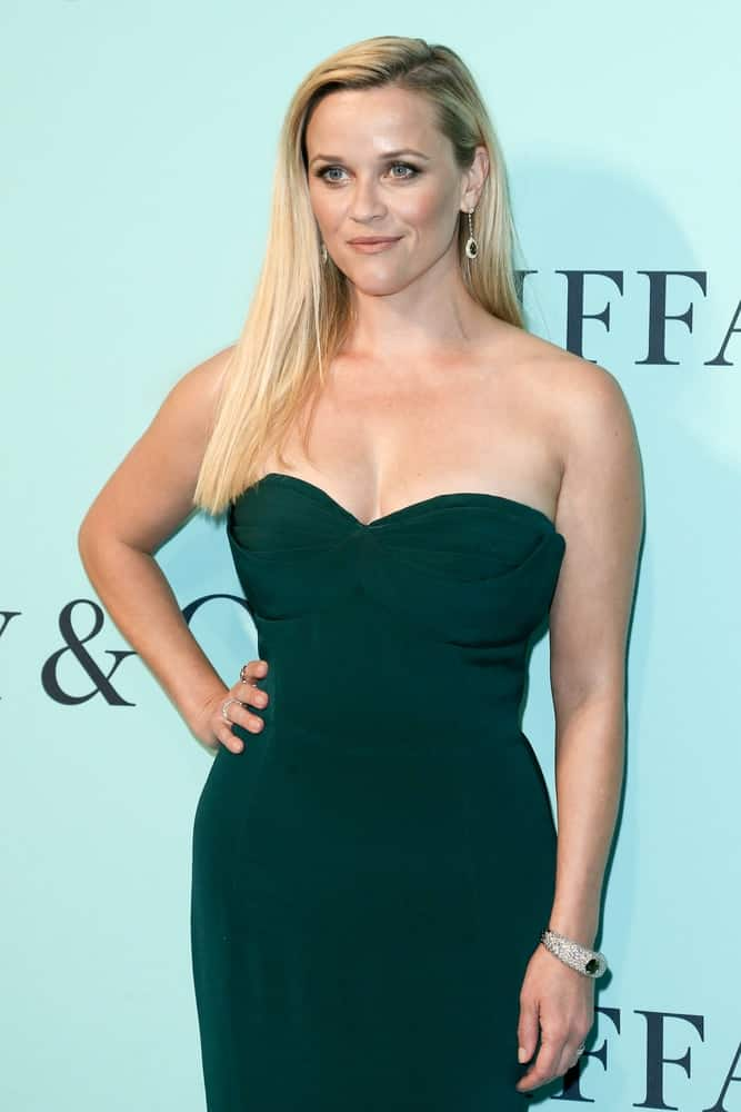 Actress Reese Witherspoon was quite lovely in her green strapless dress and silky straight long blond hair loose on her shoulders at the Tiffany & Co. 2017 Blue Book Collection Gala at St. Ann's Warehouse on April 21, 2017 in Brooklyn, New York.
