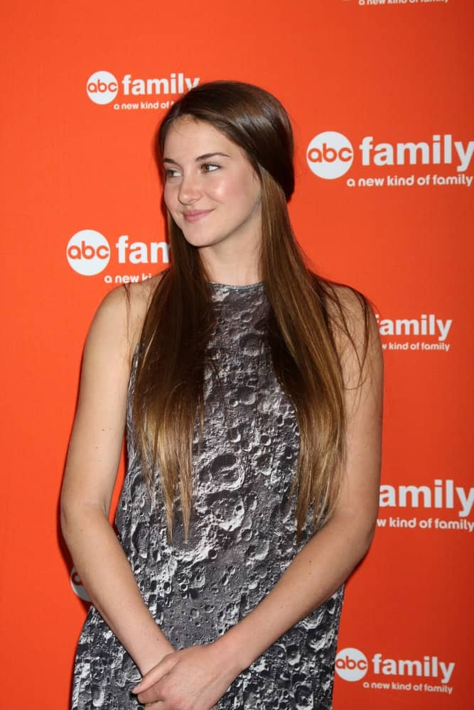 Shailene Woodley was at the ABC Family West Coast Upfronts at The Sayers Club on May 1, 2012 in Los Angeles, CA. She wore a patterned dress that she paired with her long and silky straight brunette half-up hairstyle.