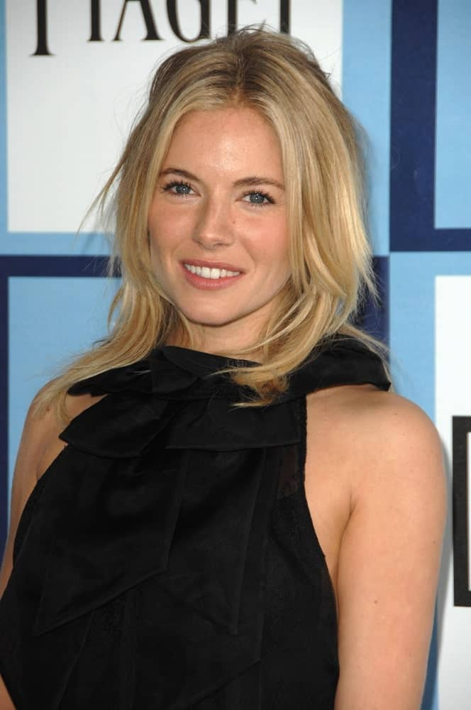 Sienna Miller kept it simple in a Monique Lhuillier dress and a straight, layered hairstyle that's tousled a bit. This look was worn at the Independent's Spirit Awards held on February 23, 2008.