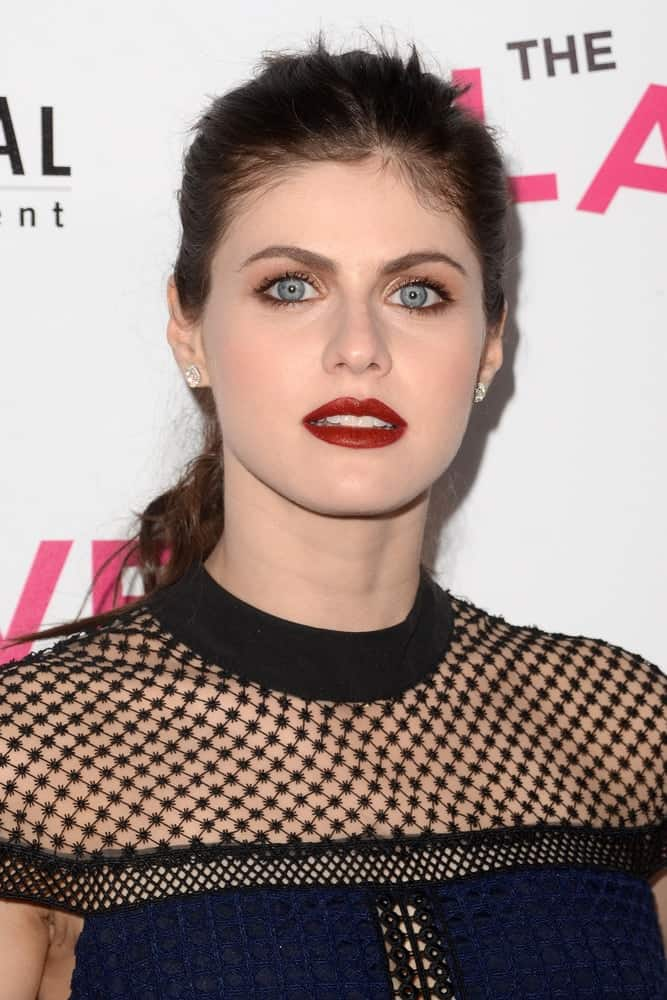 Alexandra Daddario S Hairstyles Over The Years