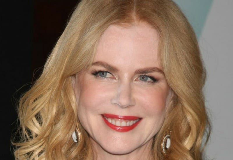 Nicole Kidman medium-length haircut strawberry blonde with middle part