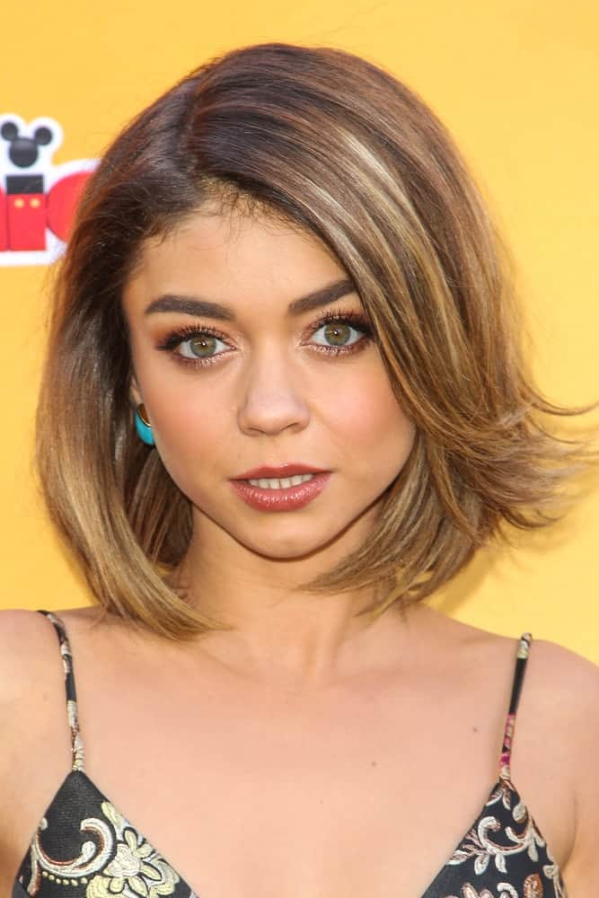 Sarah Hyland looks lovely here in a formal straight bob while attending the premiere of Disney Channel's 'The Lion Guard: Return Of The Roar' held on November 14, 2015.