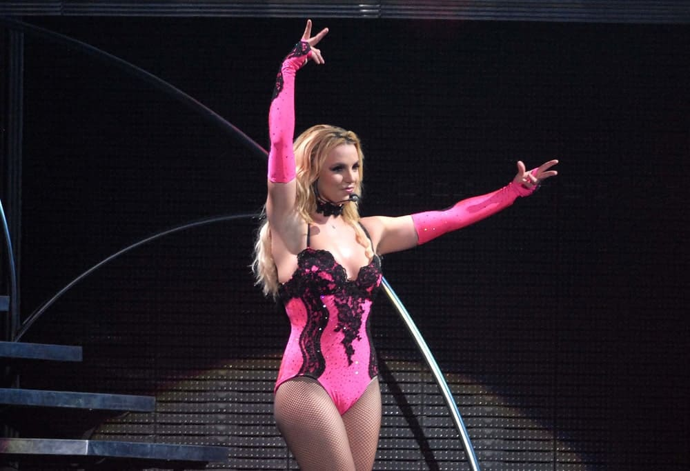 Singer Britney Spears performing at the Apoteose, in the city of Rio de Janeiro, Brazil on November 15, 2011 rocking a sexy pink outfit complemented with her long voluminous waves.