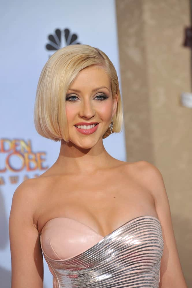 Christina Aguilera made an appearance at the 67th Golden Globe Awards last January 17, 2010, with a short bob and side parting.