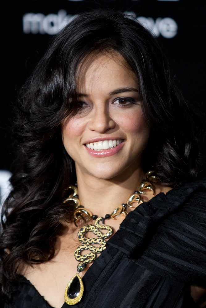 Michelle Rodriguez made an appearance at Columbia Pictures premiere of Battle: Los Angeles on March 8, 2011 with her big, bouncy curls.