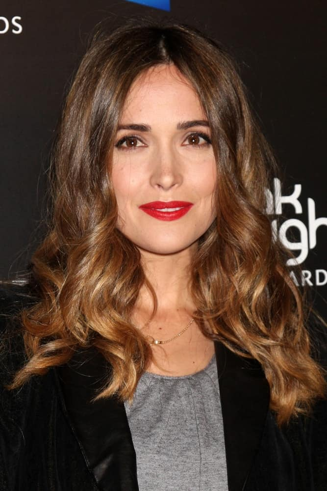 Rose Byrne was at the 2010 Breakthrough of the Year Awards at Pacific Design Center on August 15, 2010 in West Hollywood, CA. She was lovely in a smart casual outfit that she paired with her red lips and long, loose and tousled brunette hairstyle with waves.