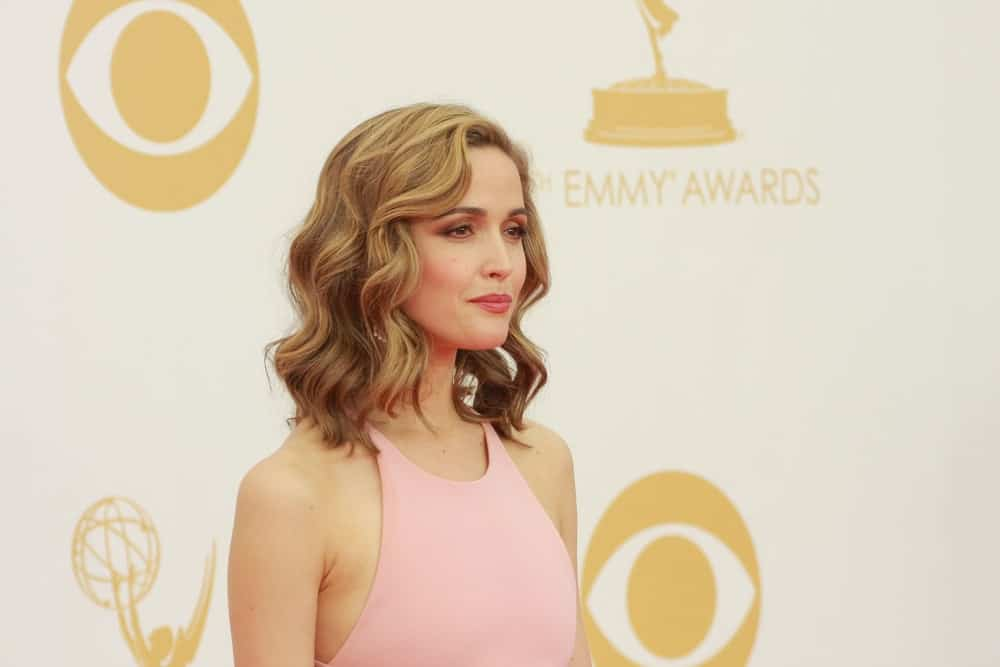 Rose Byrne was at the 65th Primetime Emmy Awards at the Nokia Theatre, LA Live on September 22, 2013 Los Angeles, CA. She was charming in a pink dress that she paired with a sandy blond bob hairstyle with waves, and highlights.
