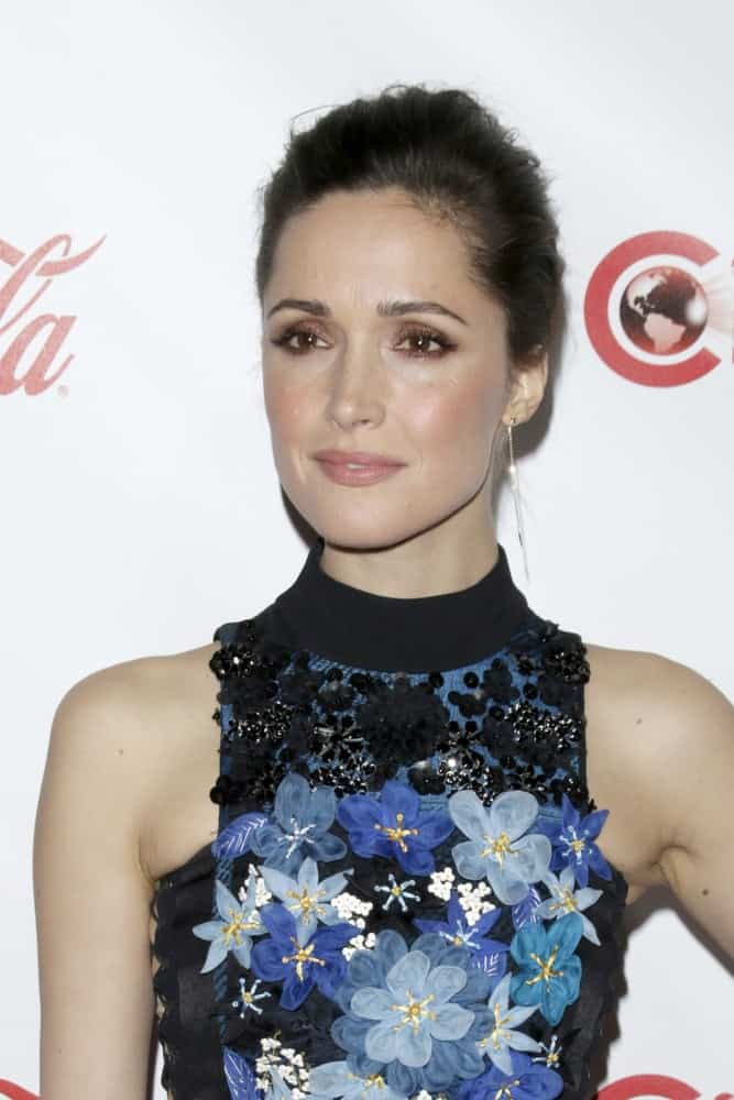 Rose Byrne was at the CinemaCon Big Screen Achievement Awards at the Caesars Palace on April 23, 2015 in Las Vegas, NV. She was sexy in a floral dress that she paired with a raven bun hairstyle with a slicked back finish.