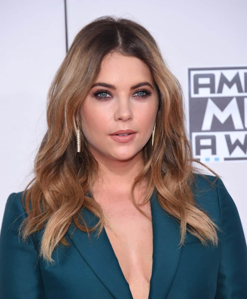 Ashley Benson rocked a perfect beachy waves hairstyle at the American Music Awards 2015 on November 22, 2015.