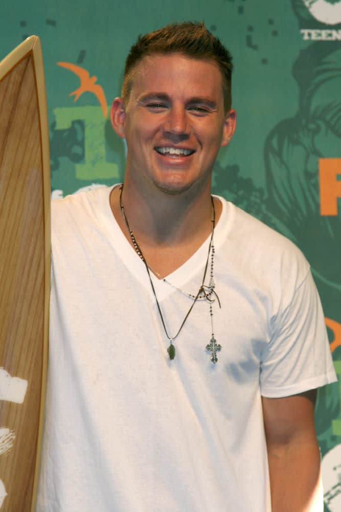 Channing Tatum with a crew cut spiky hairdo at the Teen Choice Awards 2008.