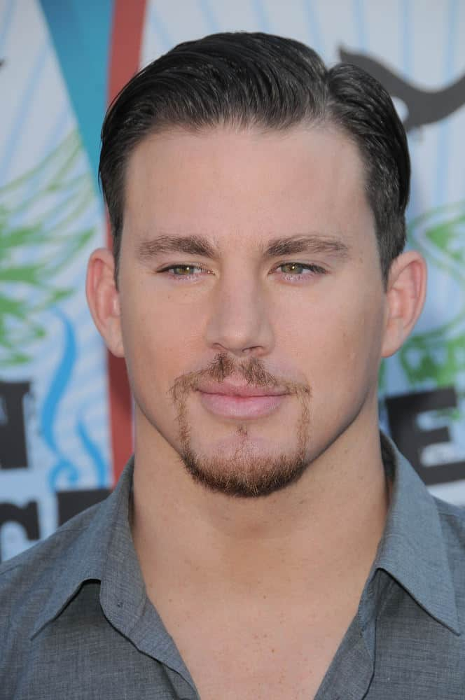 Channing Tatum pairs his slicked back look with a stylish goatee at the 2010 Teen Choice Awards.