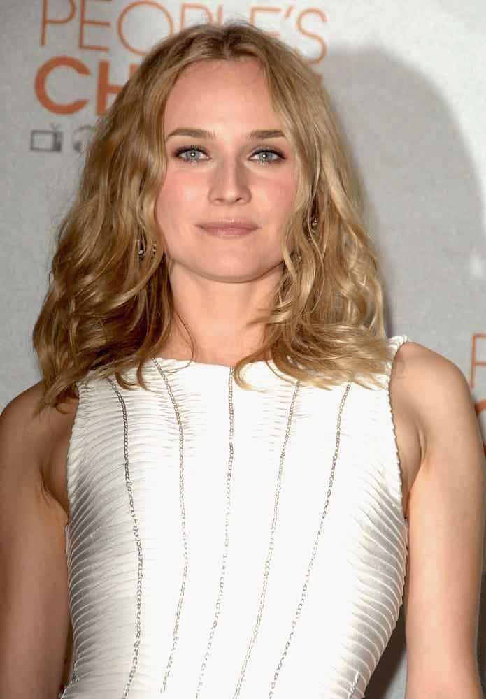 Diane showed up at the at People's Choice Awards 2010 with her subtle tousled blonde waves on January 6, 2010.