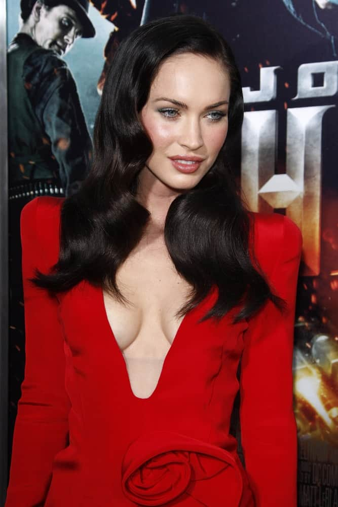 Megan had her dark locks created in sleek, shiny vintage curls with a side part at the Premiere of 'Jonah Hex' on June 17, 2010.