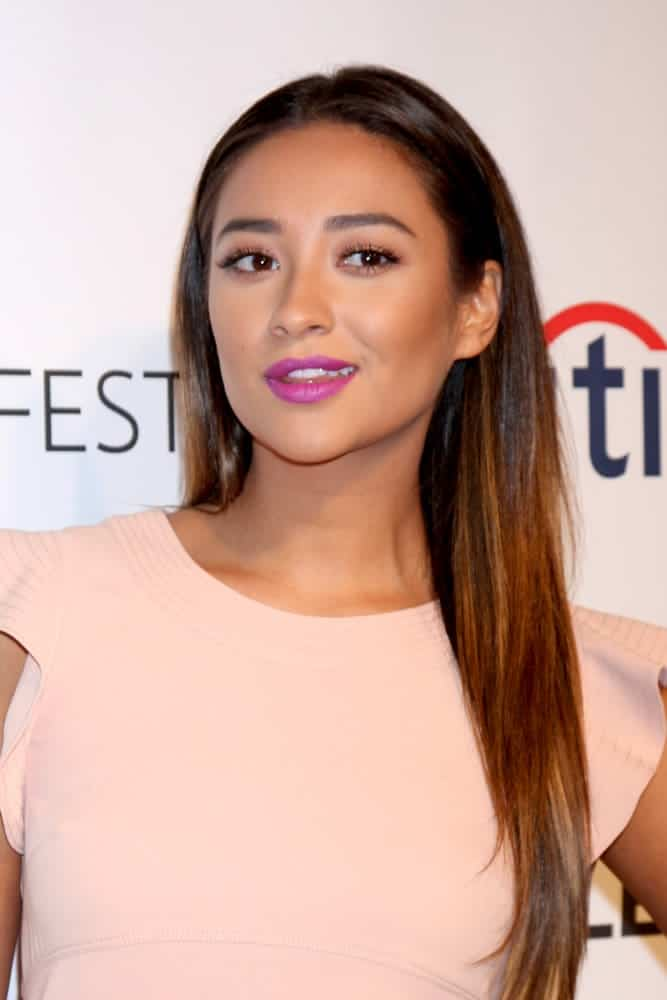 "Her highlighted locks were perfectly soft and pin-straight at the PaleyFEST - ""Pretty Little Liars"" on March 16, 2014."