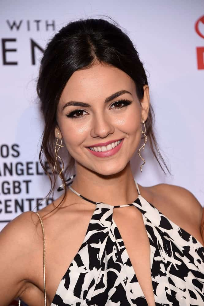 Victoria Justice with her messy upstyles hairstyle