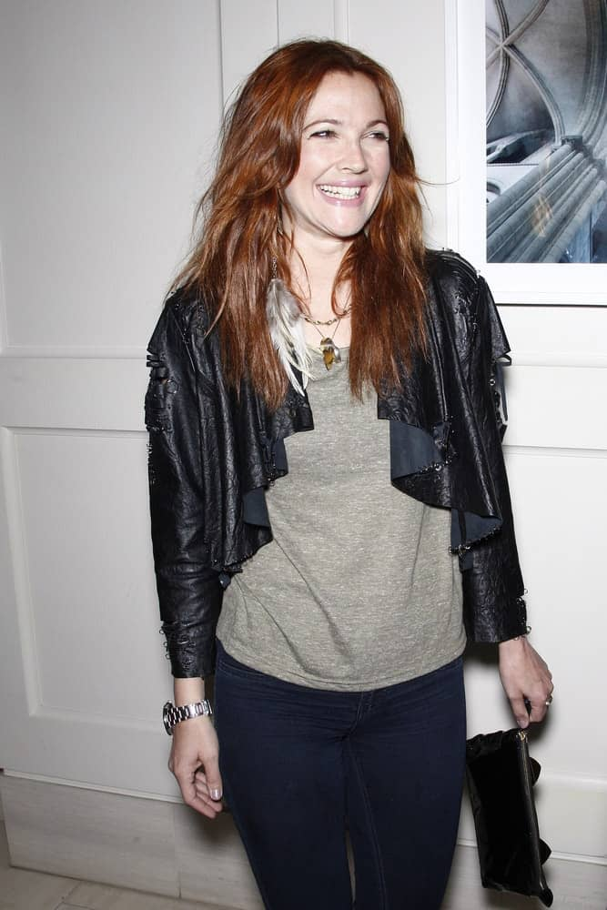 This hollywood star looks very pretty with her auburn tresses in tousled waves at the Kimberly Snyder Book Launch Party For 'The Beauty Detox Solution' on April 13, 2011.