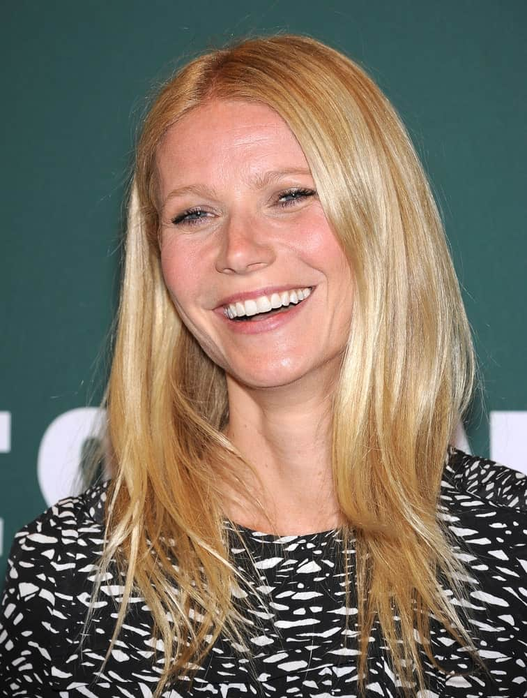 The actress flaunting her medium-length layered hair during the Gwyneth Paltrow signs