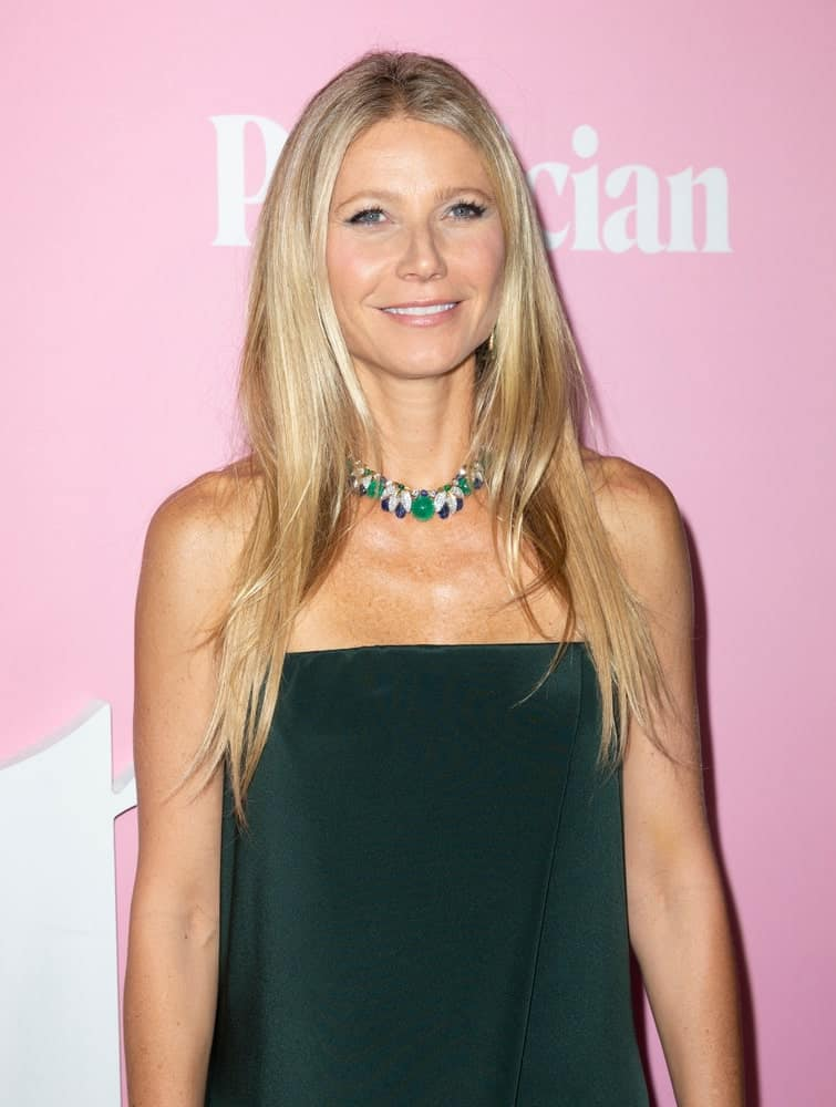 On September 26, 2019, Gwyneth Paltrow attended Netflix The Politician premiere at DGA Theater with a loose layered hairstyle complemented with a simple tube dress and collar necklace.