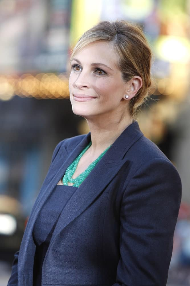 Julia Roberts had a neat side-parted upstyle at the Premiere of Universal Pictures'