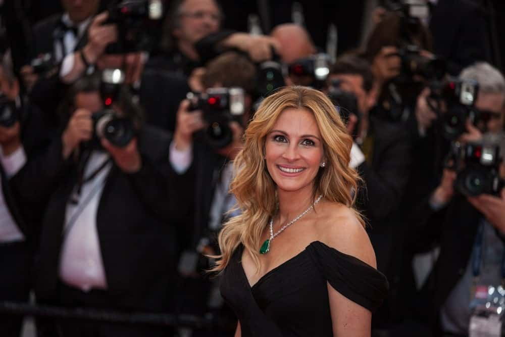 Julia Roberts looked stunning in a black off-shoulder dress along with her chestnut blonde hair arranged in loose, flowing waves. This was taken during the screening of 'Money Monster' at the annual 69th Cannes Film Festival on May 12, 2016.