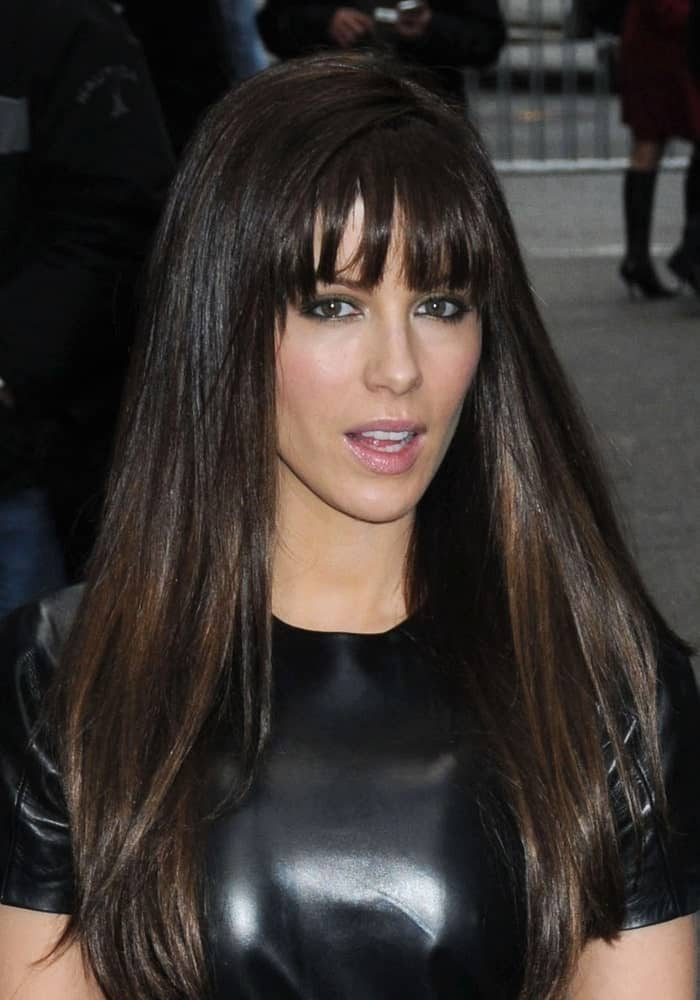 Kate Beckinsale was seen in New York on November 19, 2009, wearing a black leather dress and a loose straight hairstyle with bangs.