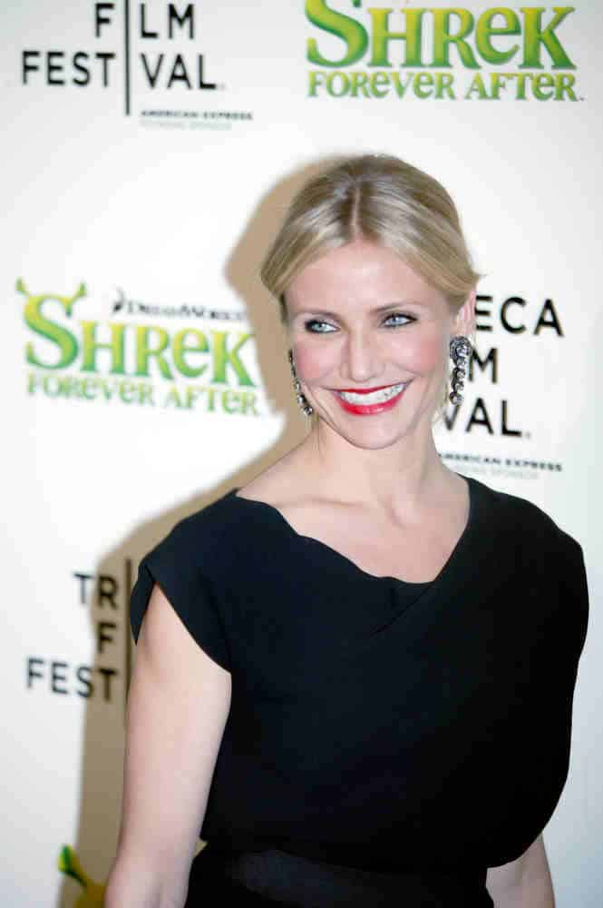 Cameron Diaz showed off her simple long wavy ponytail with a middle part at the Tribeca Shrek Forever After premiere on April 21, 2010.