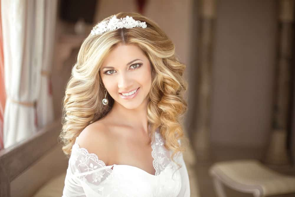 Photo example of wavy wedding hairstyle.