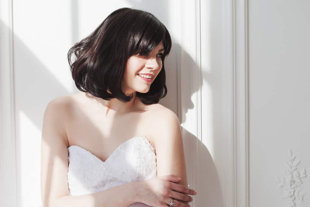 Short bob haircut wedding hairstyle.