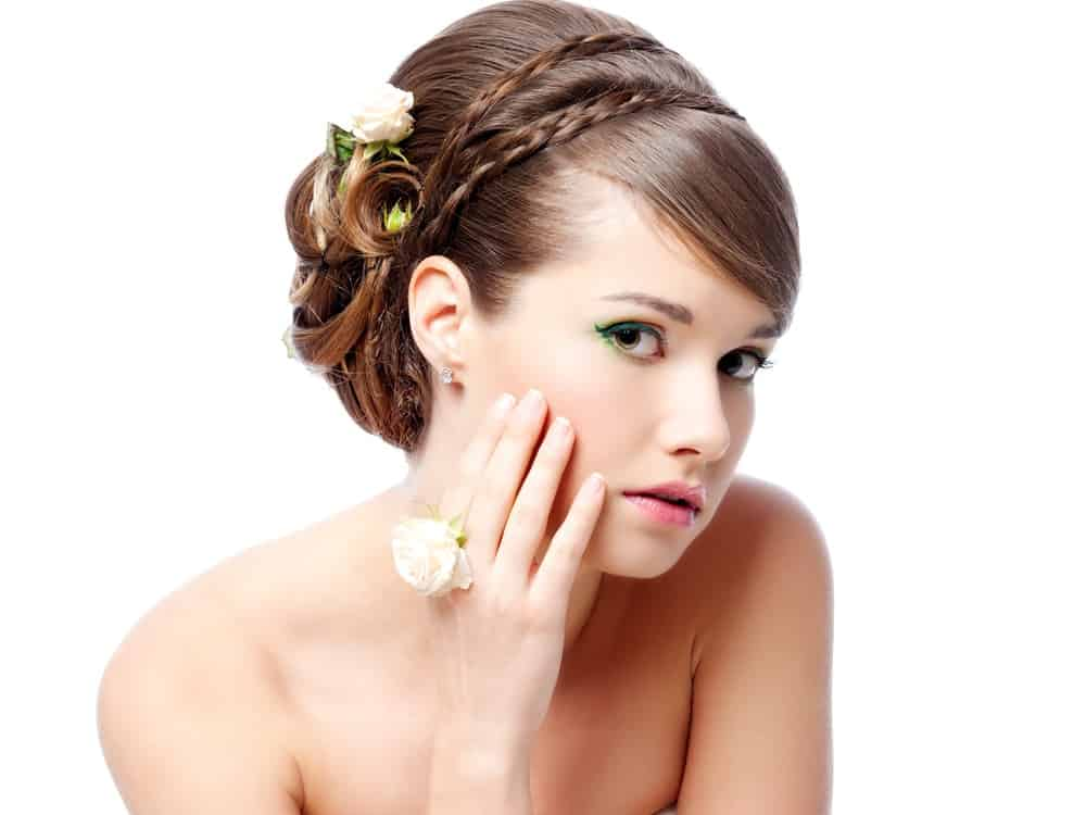 Wedding hairstyle to the side.
