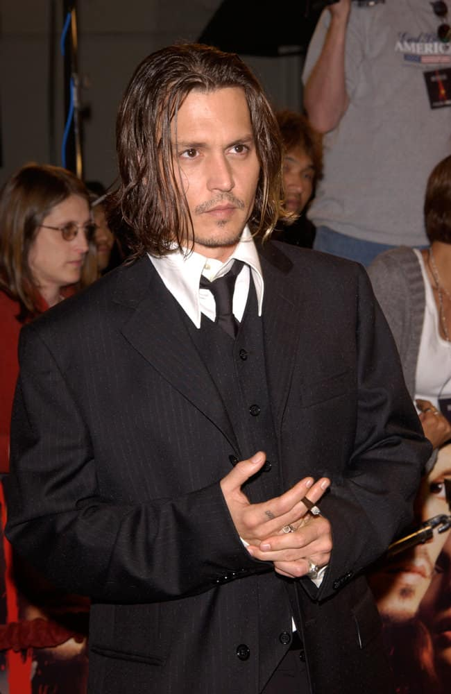 Johnny Depp opted for this long hairstyle at the Los Angeles premiere of his new movie From Hell in 2001.