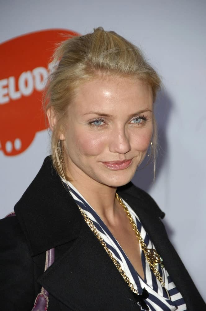 Cameron Diaz's bright blue eyes were in the spotlight with her blond half-up hairstyle at 19th Annual Nickelodeon's Kids' Choice Awards in Los Angeles, CA last April 1, 2006.