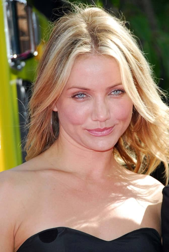 Cameron Diaz's center-parted loose and tousled layers perfectly complemented her black dress at the 2007 MTV Movie Awards held at the Gibson Amphitheatre in Universal City, CA.