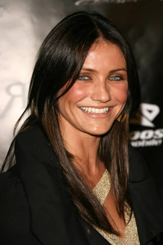 Cameron Diaz sported a black straight hairstyle with subtle highlights at the William Rast Spring 2007