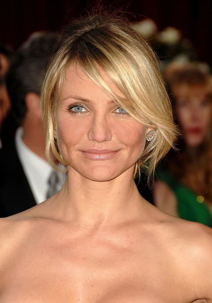 Cameron Diaz wore her Bulgari earrings emphasized by her messy upstyle with side-swept bangs at the 80th Annual Academy Awards Oscars Ceremony in Los Angeles last February 24, 2008.