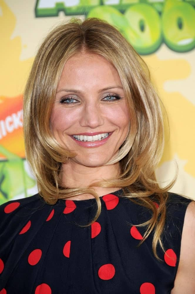Cameron Diaz had a glowing youthful smile at the Nickelodeon's 2009 Kids' Choice Awards in Westwood, CA last March 29, 2009. She wore a polka-dotted outfit with a layered and tousled blond hair.