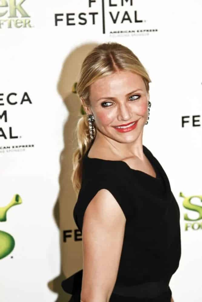 Cameron Diaz sported this wavy, low-ponytail hairdo matched with a simple black dress during the 2010 Tribeca Film Festival at the Ziegfeld Theatre on April 21, 2010.