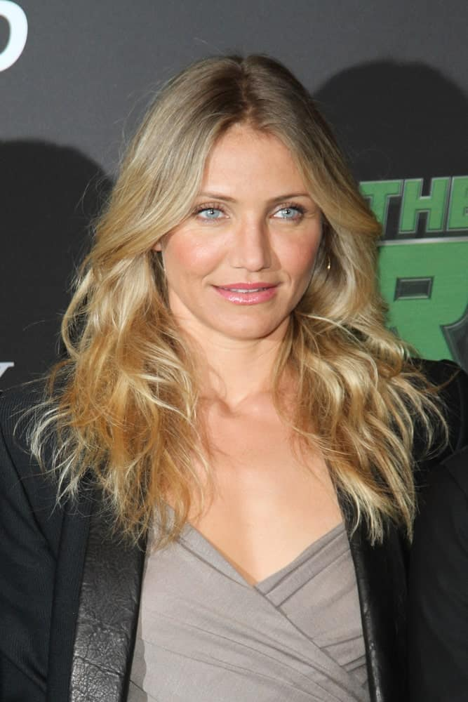 Cameron Diaz rocked with her curly beach hair that has highlights when she attended the Photocall of 'The Green Hornet' at the Hotel Adlon on December 3, 2010 in Berlin, Germany.
