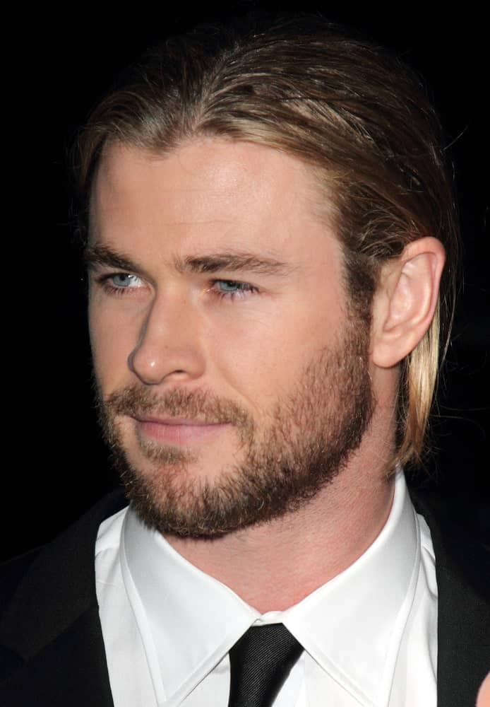 Chris Hemsworth was at the GQ Men of the Year Awards at the Royal Opera House, Covent Garden last September 4, 2012 with a classic black suit, slick back long hair and trimmed beard.