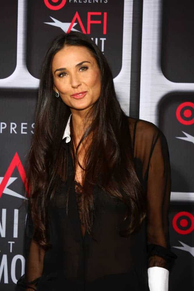 Demi Moore proved that simplicity can turn into elegance and beauty as she wore this effortless hairstyle with subtle waves during the AFI Night at the Movies 2013.