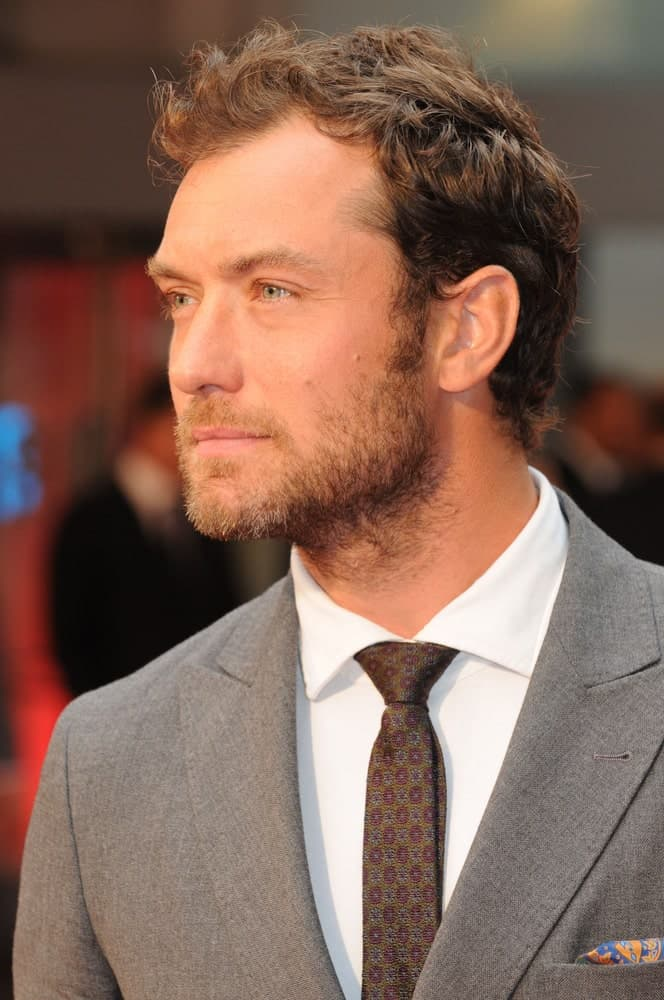 Jude Law was ruggedly handsome with his short beard that goes perfectly well with his short tossed up hair at the World Premiere of Anna Karenina at the Odeon Leicester Square in London last September 4, 2012.