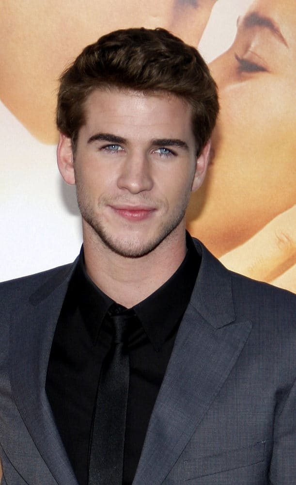 Liam Hemsworth looked so young with his brushed up 'do during the world premiere of