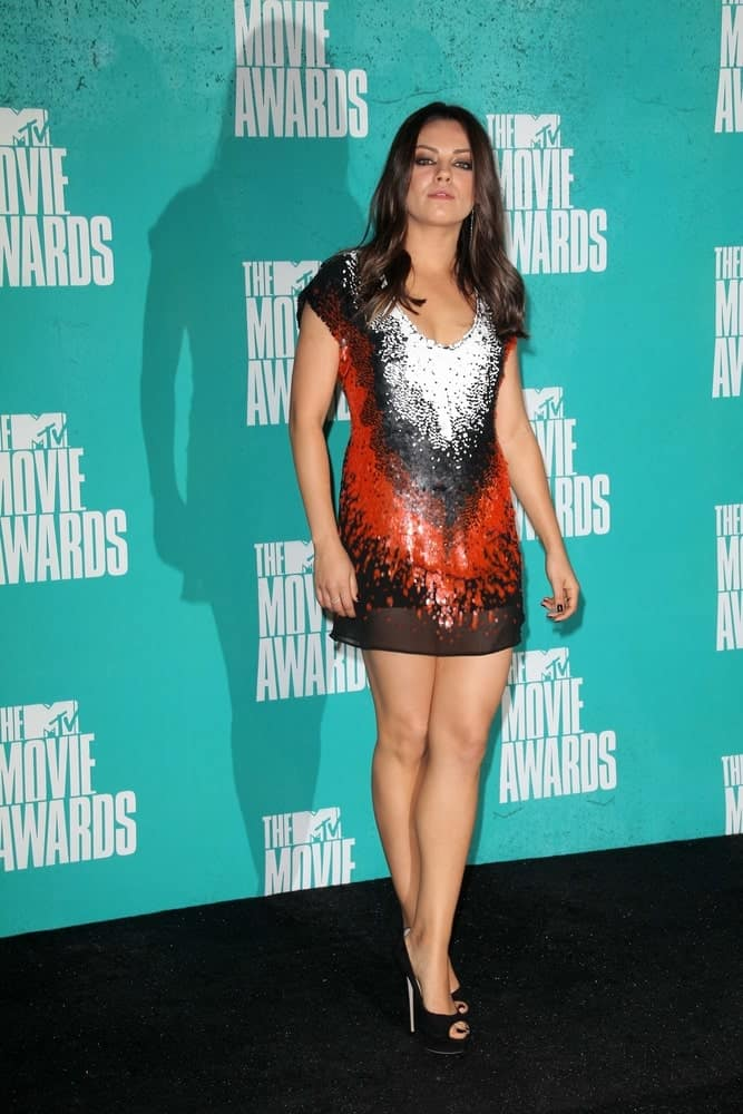Mila Kunis attended the 2012 MTV Movie Awards Press Room held at the Gibson Amphitheater in Universal City last March 6, 2012. She looked stunning in her colorful mini dress and loose tousled wavy hair.