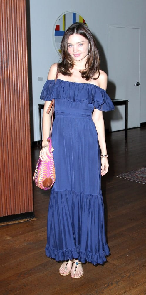 The model was spotted at the 2010 Jeffrey Katz Memorial Lecture Series on June 2, 2010 with a middle-parted hairstyle that's layered inwardly. The look was completed with an off-shoulder dress and boho chic sandals.