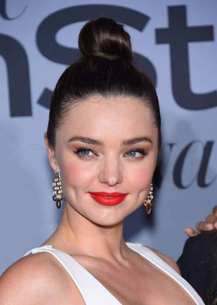 The elegance brought by Miranda Kerr's Top Knot indeed enhanced her beauty during the InStyle Awards 2015 on October 26, 2015 in Hollywood, CA.