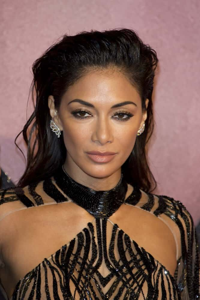 Nicole Scherzinger showed nothing but fierceness and confidence with this messy, brushed-up look she wore  at The Fashion Awards 2016.