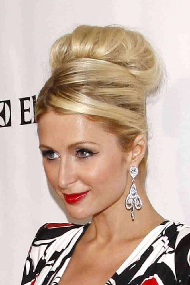 Paris Hilton, with a chunky and sophisticated sock bun, arriving at the 2011 American Red Cross Santa Monica Chapter's Annual Red Tie Affair on April 9, 2011.