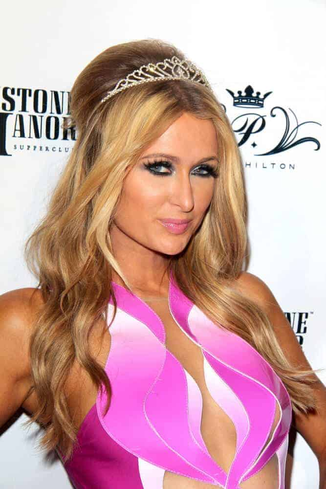 Paris Hilton looking like a pretty princess with her wavy hair incorporated with a mini tiara during her birthday party held last February 15, 2014 on Greystone Manor, Los Angeles, CA.